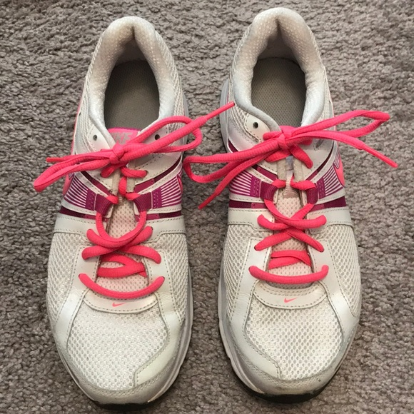 Nike Shoe Girl Running Dart 8 only 30 Laces | eBay